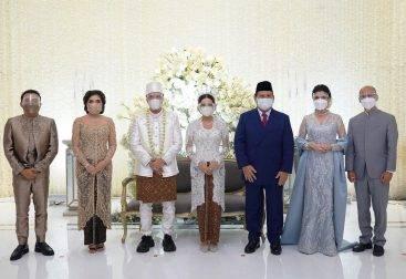 Artis Indonesia yang melangsungkan pernikahan mewah