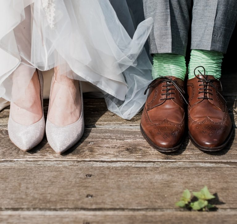 Ilustrasi sepatu pengantin