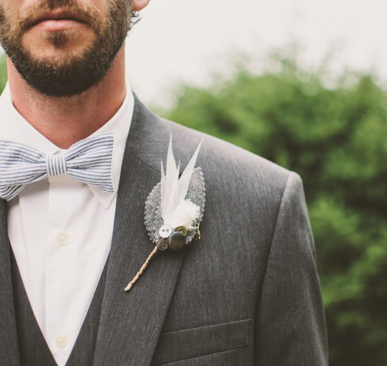 Aksesoris pengantin pria
